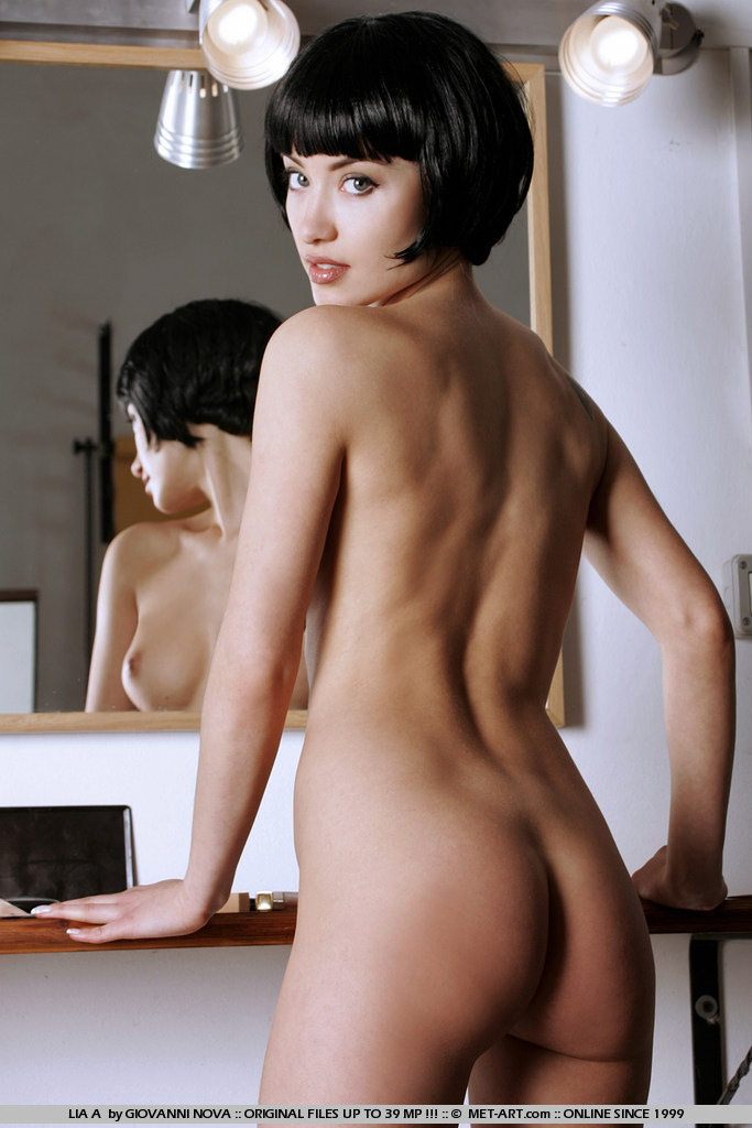 Naked sexy girl short hair 9
