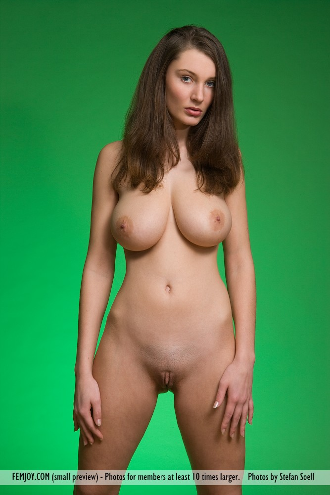 Nude Woman Big Titties » Busty Girls DB