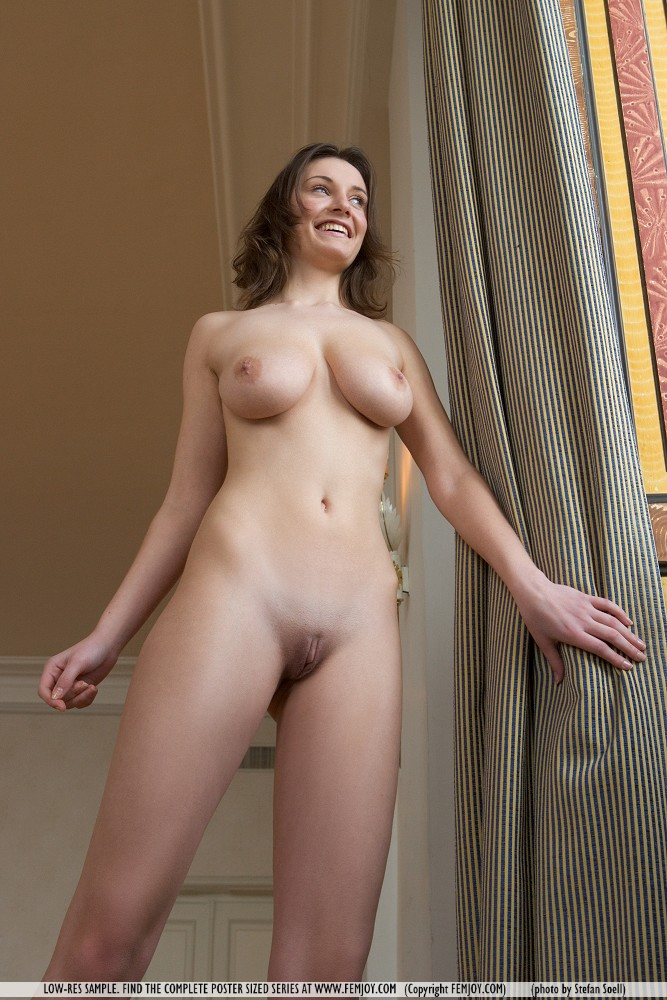hot nude d cup girls