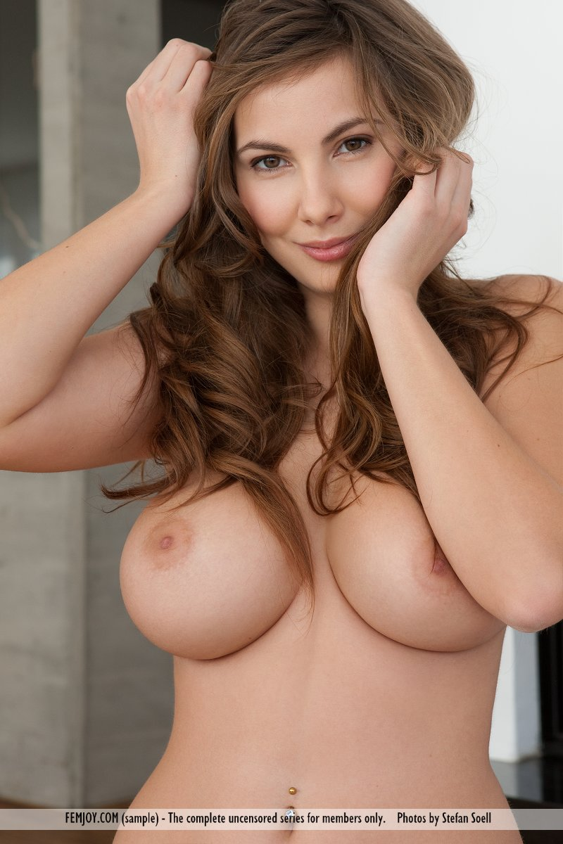 Big Boobs Girl With Nice Smile » Busty Girls DB