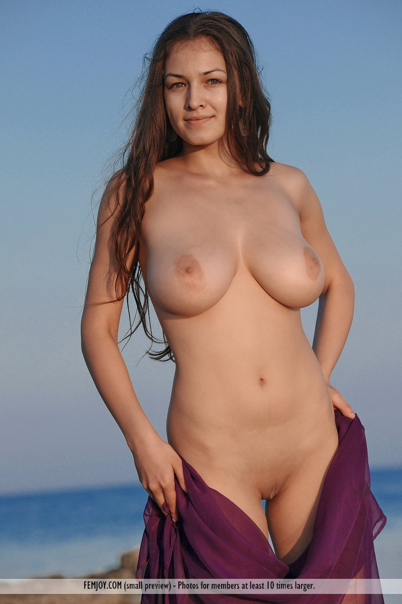 beach Nude boobs