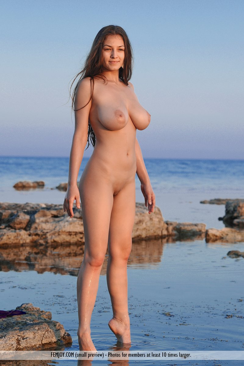 Join. nude girls from the beech happens