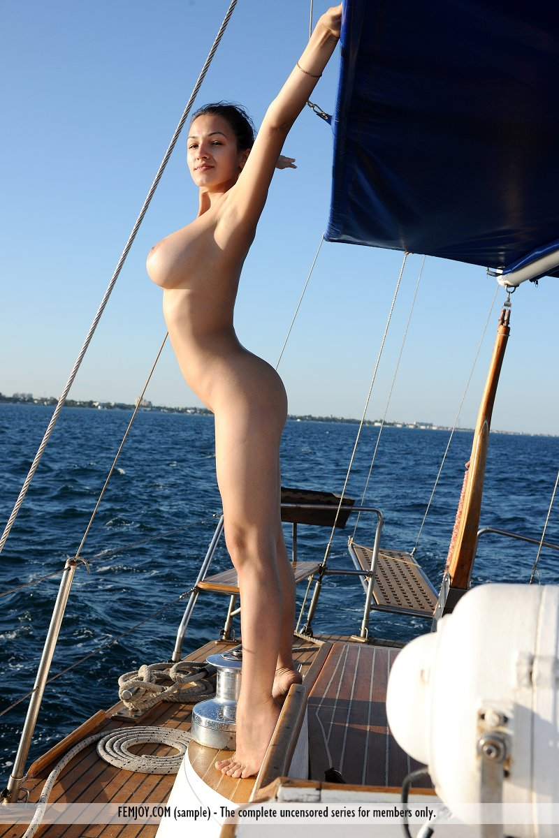 The nude caribbean sailing women