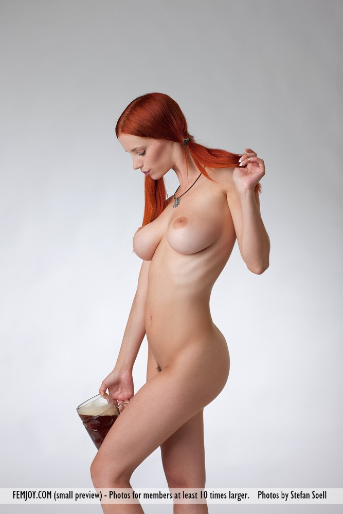 Voluptuous nude holding cock sorry