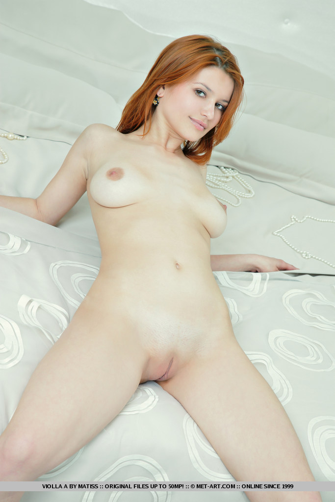 bed in Girl stripping
