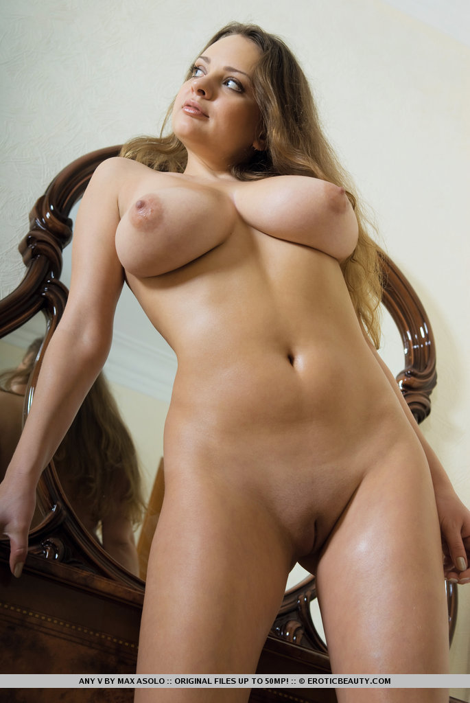 Big beautiful natural women nude from