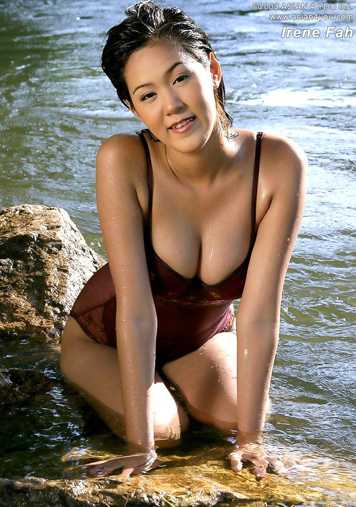 Hot Girl With Big Tits In A River  Busty Girls Db-1497