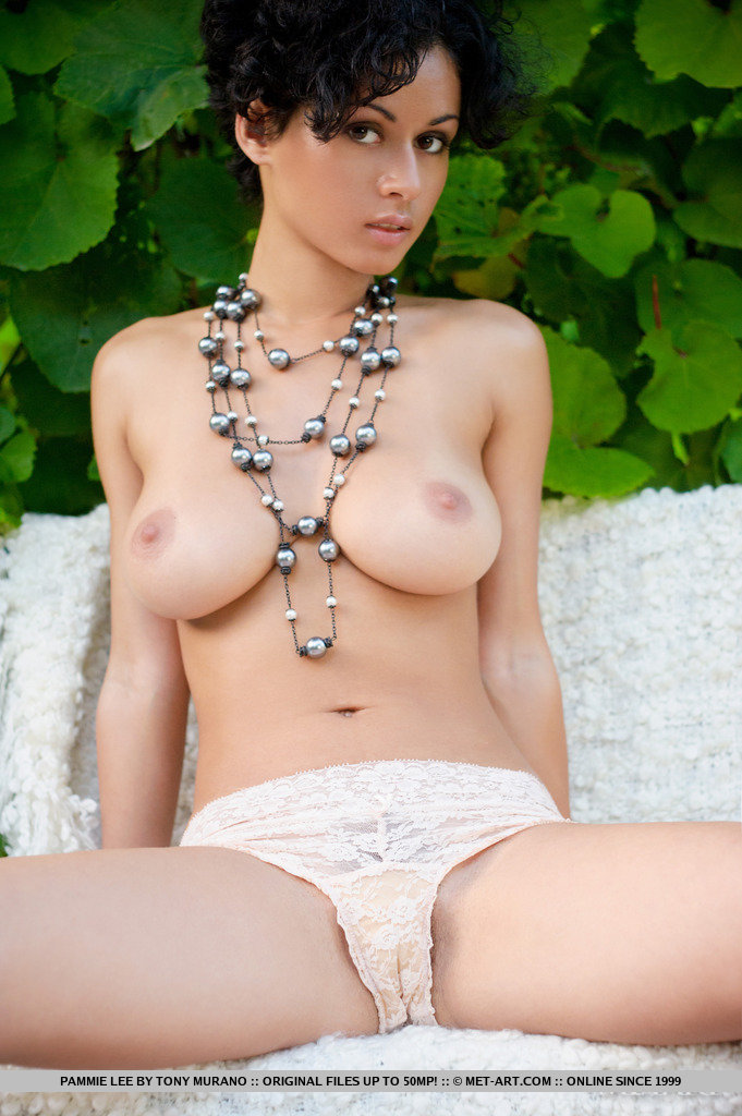 hot girls bust picture fully nakedly