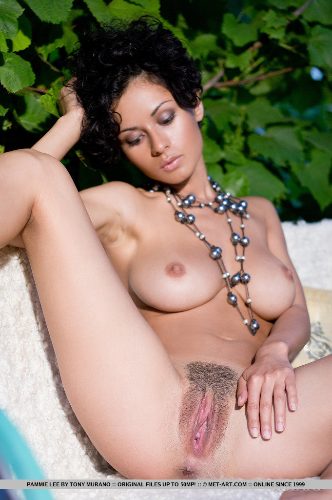 Nude women sexy mulatto