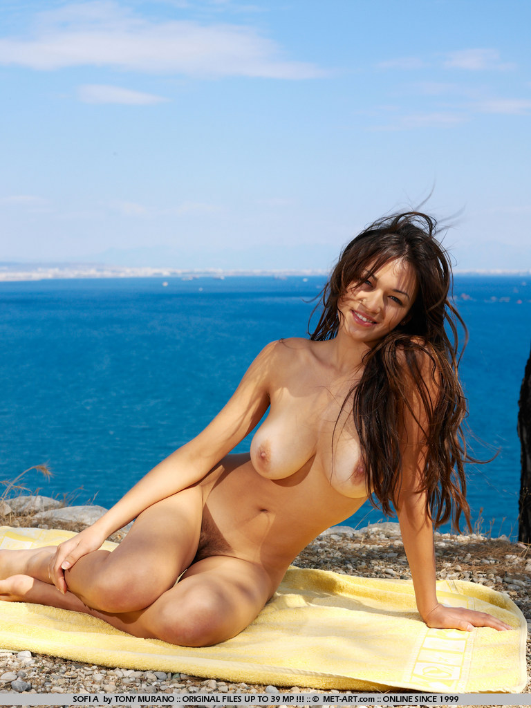 Excellent and women nudes at ocean theme