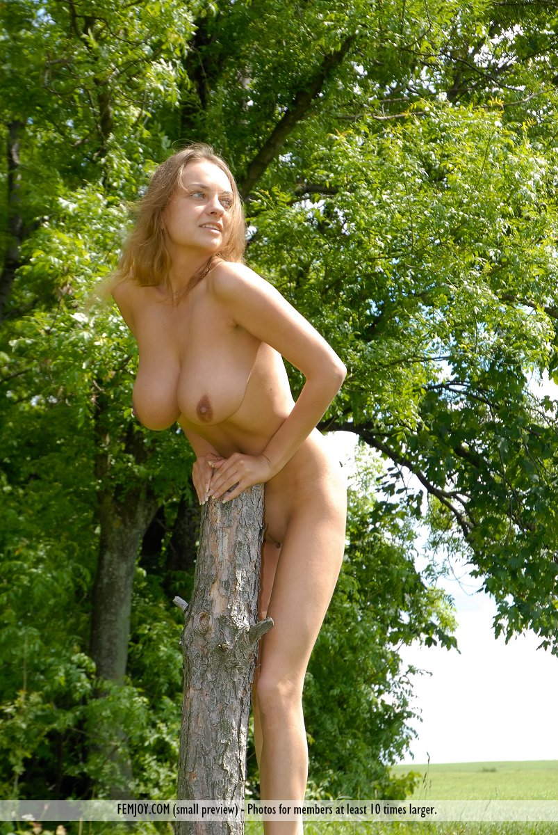 Farm girls get naked