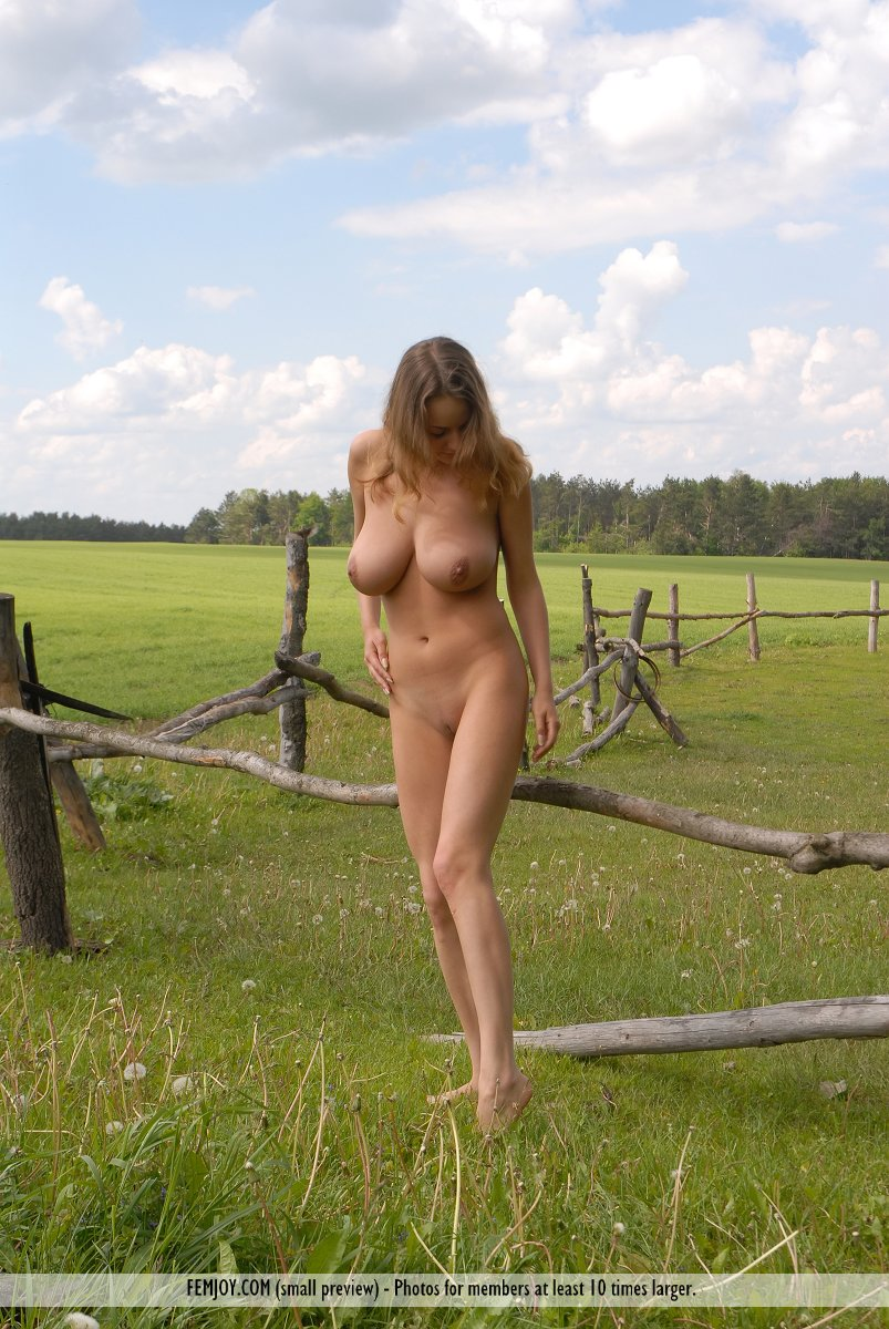 sex on the farm naked