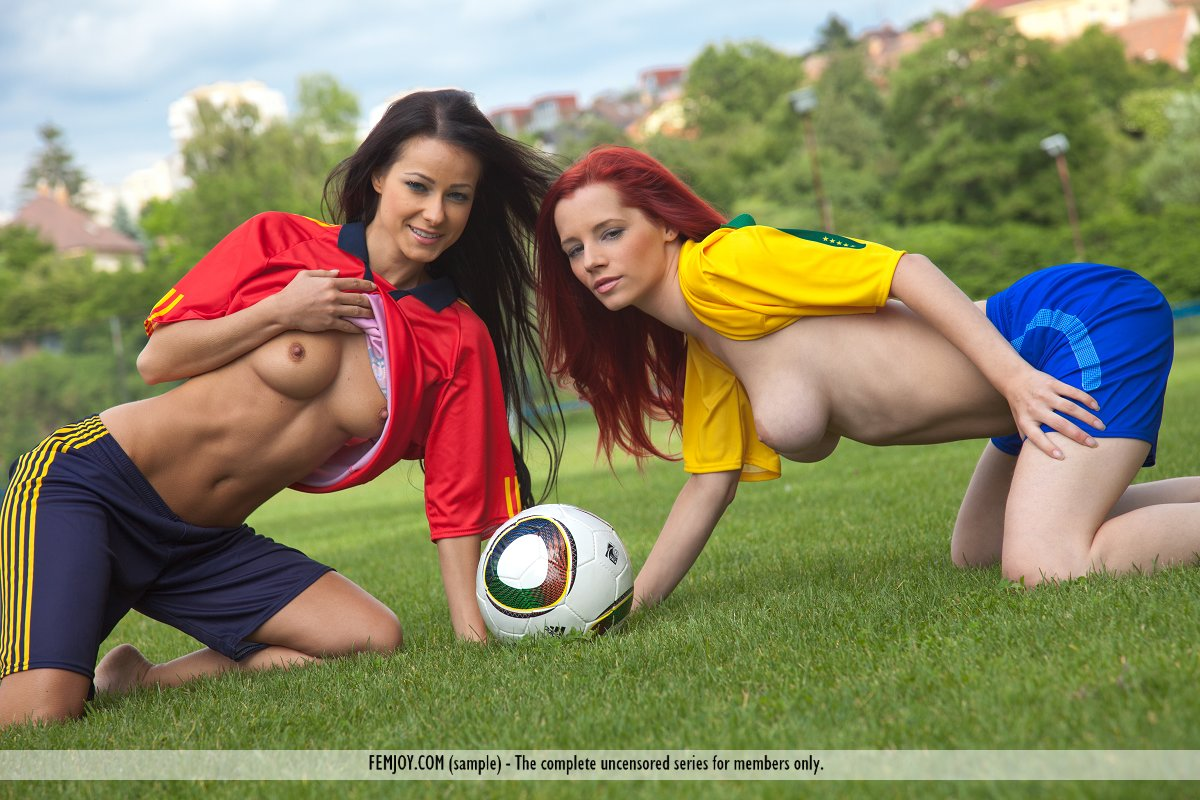 naked soccer player woman