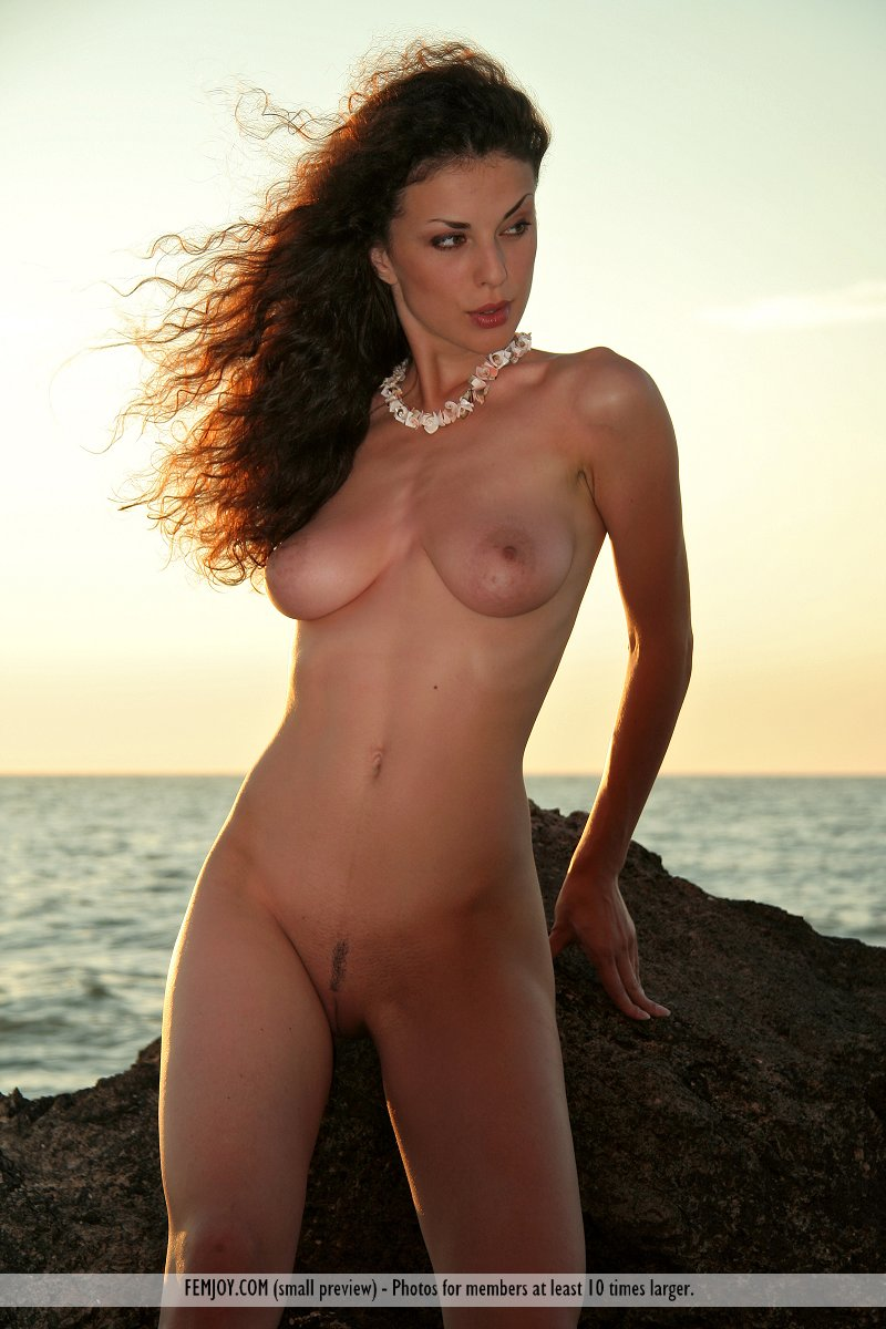 Girls nude at beaches